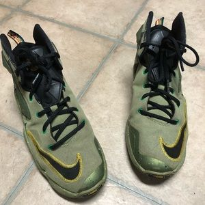 6.5 youth Lebron James Nike shoes